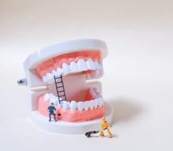 Dişleri Temizleyen Minik Robotlar Geliyor