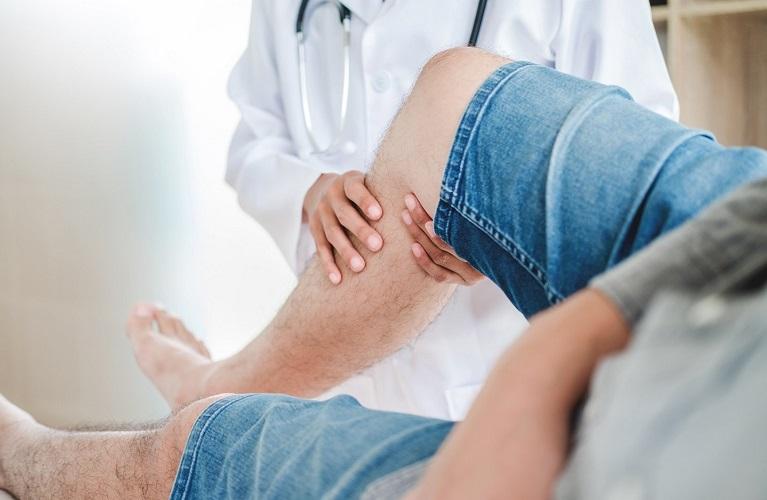 Bacaklarınızdaki Sıkıntının Sebebi Huzursuz Bacak Sendromu Olabilir