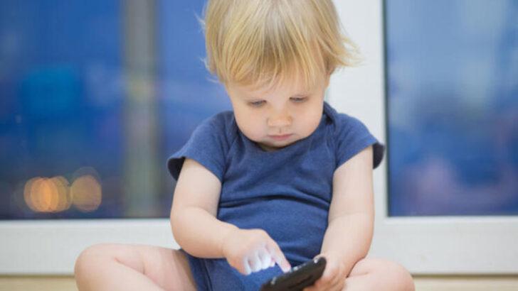 Telefonla Oynayan Bebekler Daha Az Uyuyor