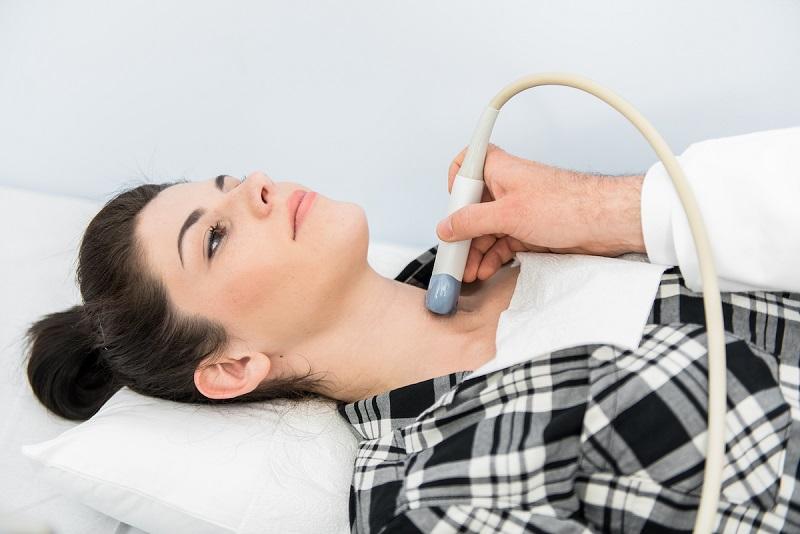 Tiroid Nodülleri Mikrodalga Ablasyon ile Yok Ediliyor